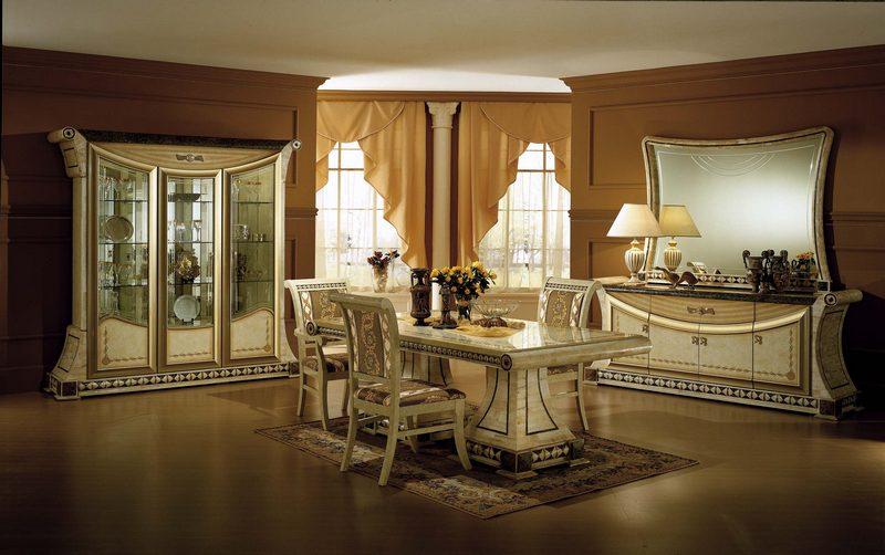 Italian themed dining room