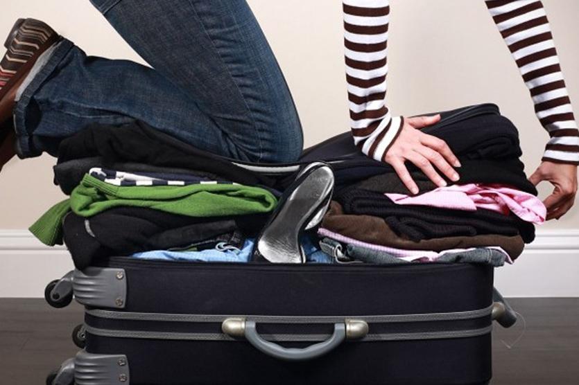 Но куда бы не собирались, то надо взять с собой хотя бы самые необходимые вещи.