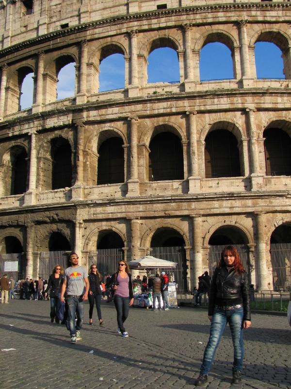 В Риме возле Колизея
