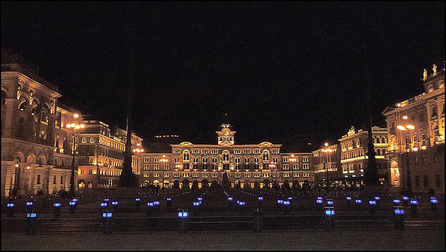 Площадь Единства Италии в Триесте (Piazza Unità d'Italia)