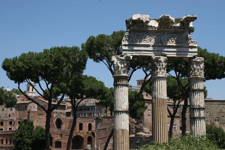 Форум Юлия Цезаря (Foro di Cesare)