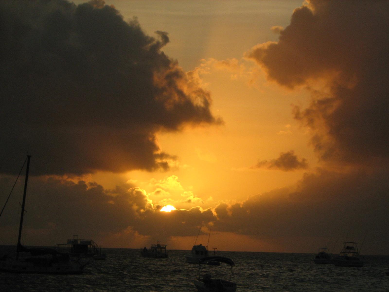 Рассвет и облака