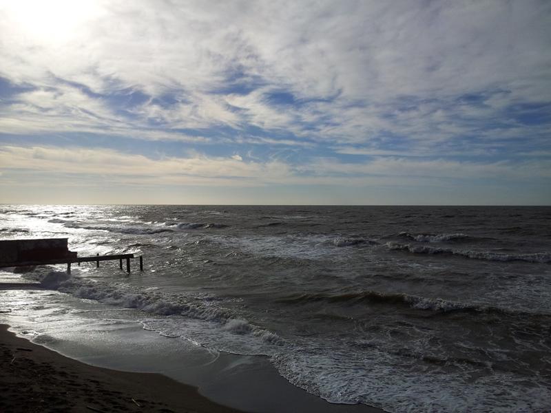 Море в Остии
