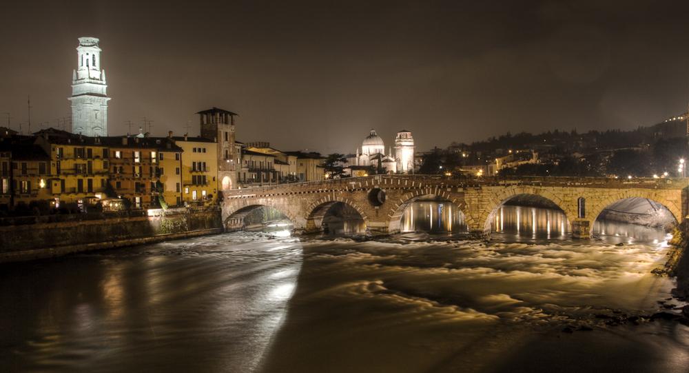 Каменный мост в Вероне (Ponte Pietra)